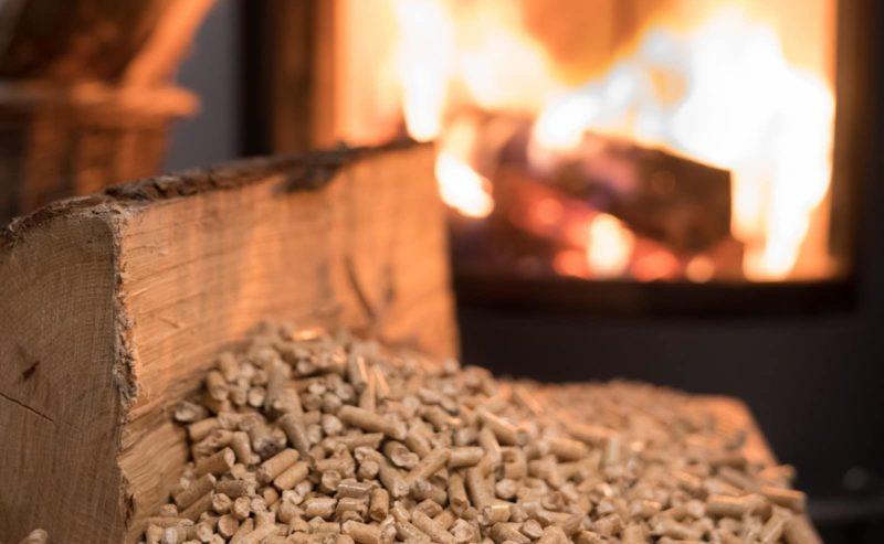 Faire des économies avec le chauffage au bois